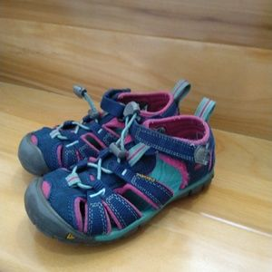 Keen blue pink baby girl sandals size 10